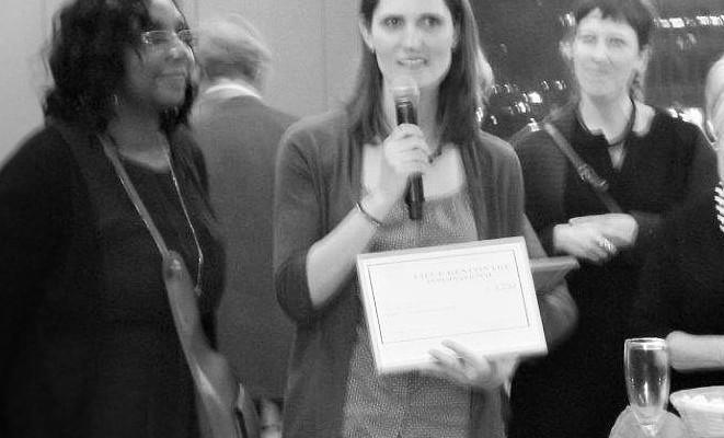 1er chèque de soutien à notre jeune ASBL : Merci au LRI (Liège Rencontre Internationale)